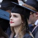 Эмма Уотсон на церемонии вручения дипломов